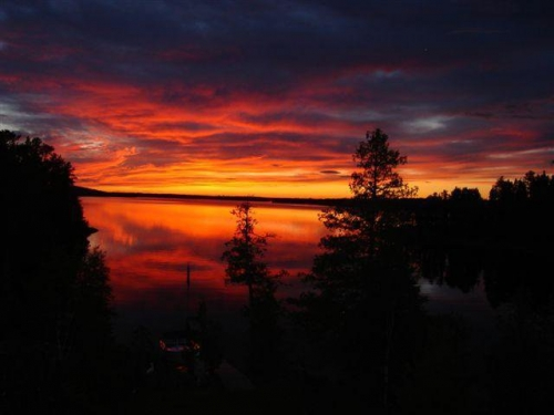 Check out this amazing sunset taken on Pelican Lake in Sioux Lookout on June 14, 2010.  Aren't the colours great?