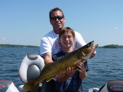 Thanks to Matt and Jeff Park of Dryden, ON for submitting this photo of a 30