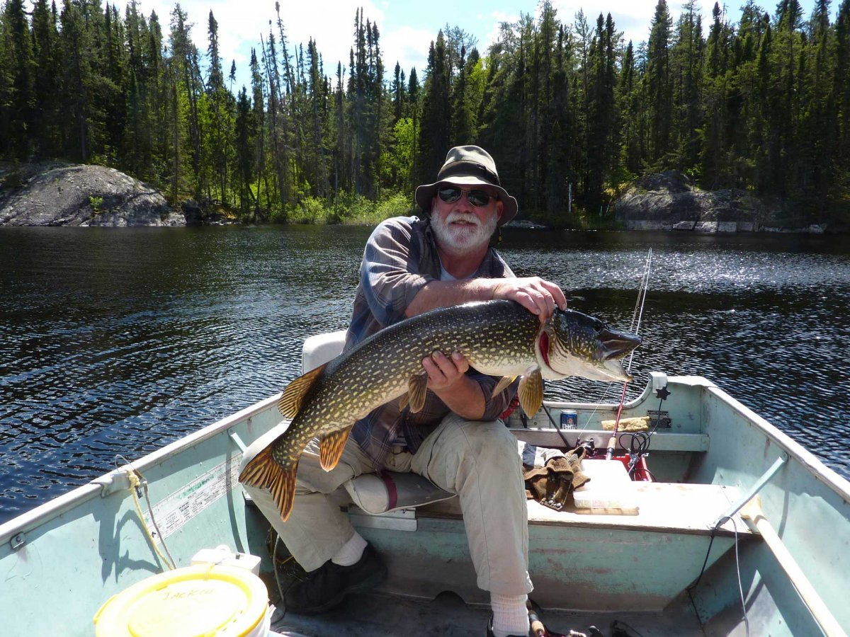 Knobby's Fly-In PIke Fishing