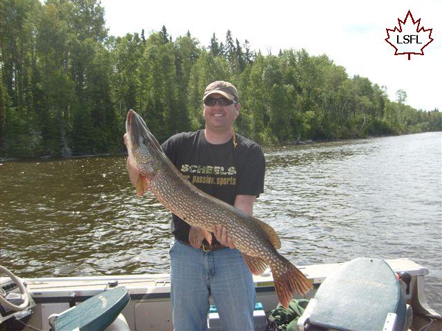 Home lac seul floating lodges for Lac seul fishing resorts