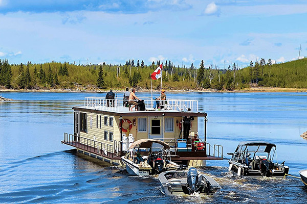 Northwest ontario fishing lodges hunting outfitters for Lac seul fishing resorts